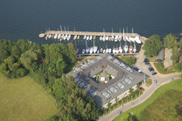 Kongebro Lystbådehavn