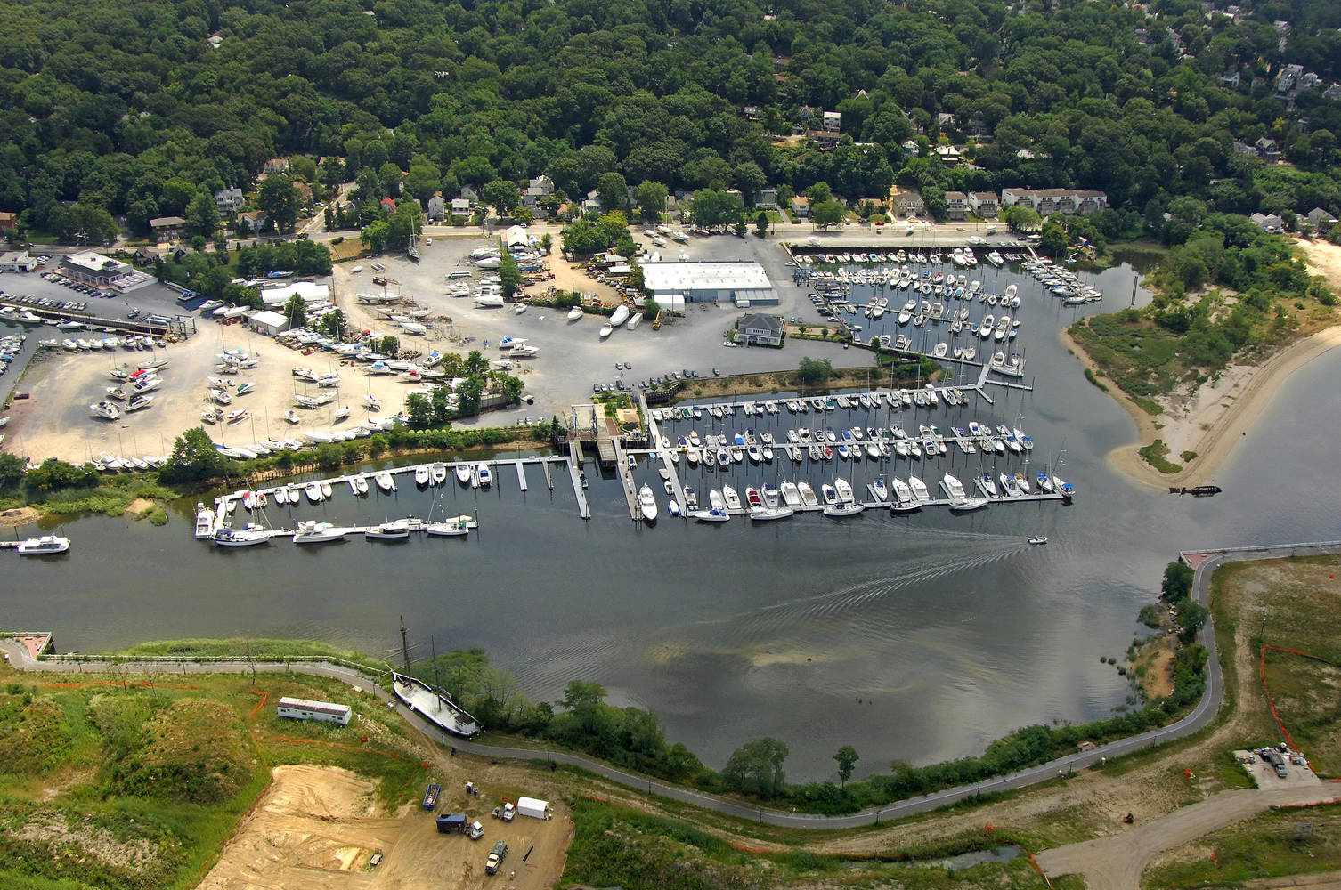 Safe Harbor Glen Cove Yacht Yard Slip Dock Mooring
