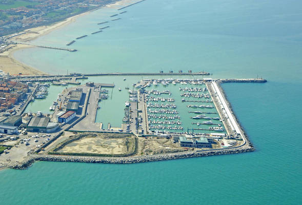 Marina dei Cesari
