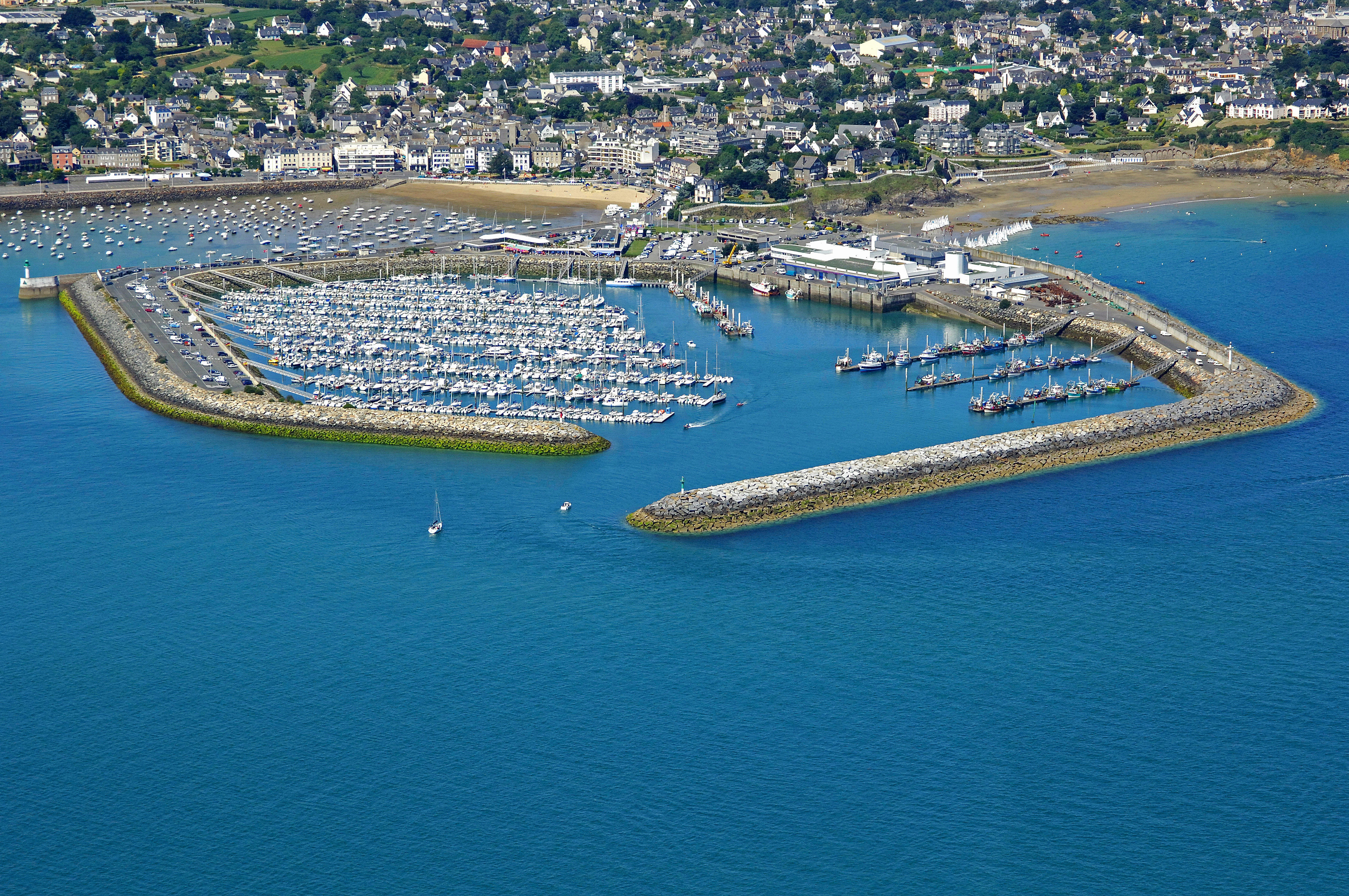 Saint quay port d 39 armor marina in saint quay portrieux - Port de saint quay portrieux ...