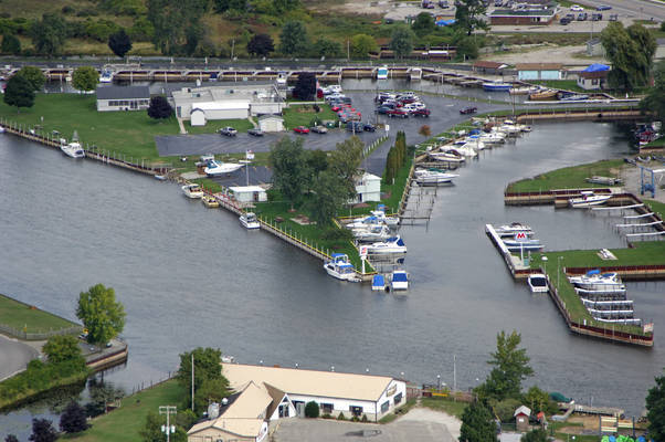 Dave's Ausable Marina