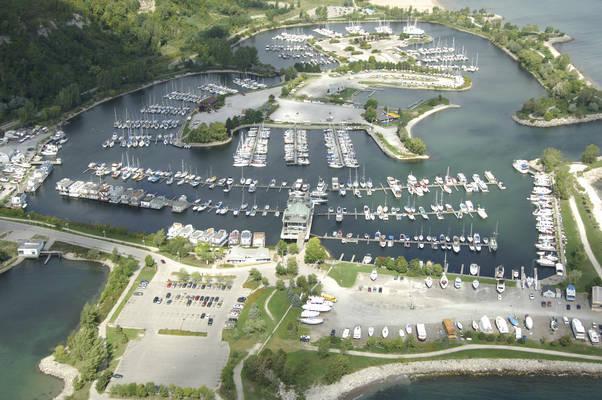 Bluffer's Park Marina