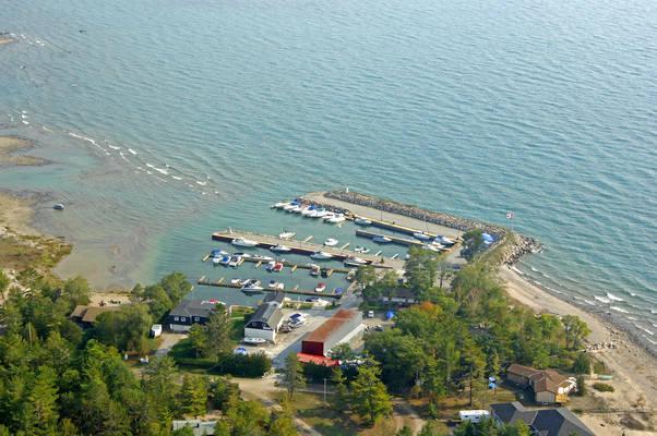 Alberts Cove Marina
