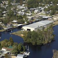 Starling's Suwannee Marina Inc