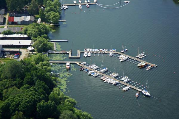 Lilla Baatvarvsgraand Marina