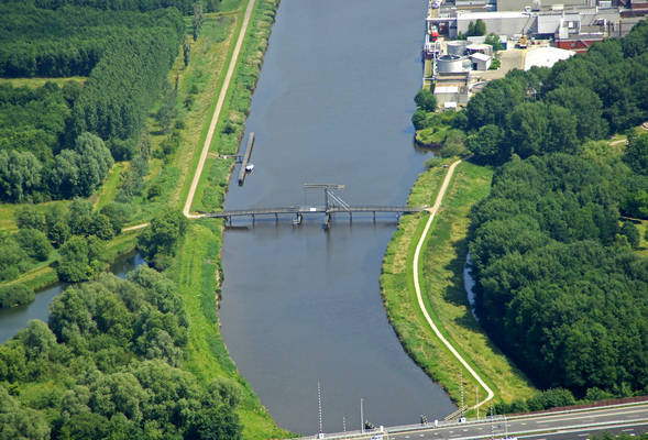 Winschoeterdiep Canal Bridge 5