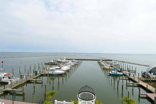 Rod 'N' Reel Resort Marina