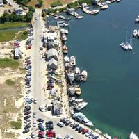 Dutcher's Dock Menemsha Basin