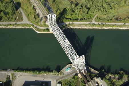 Canal De La Rive Sud Lift Bridge