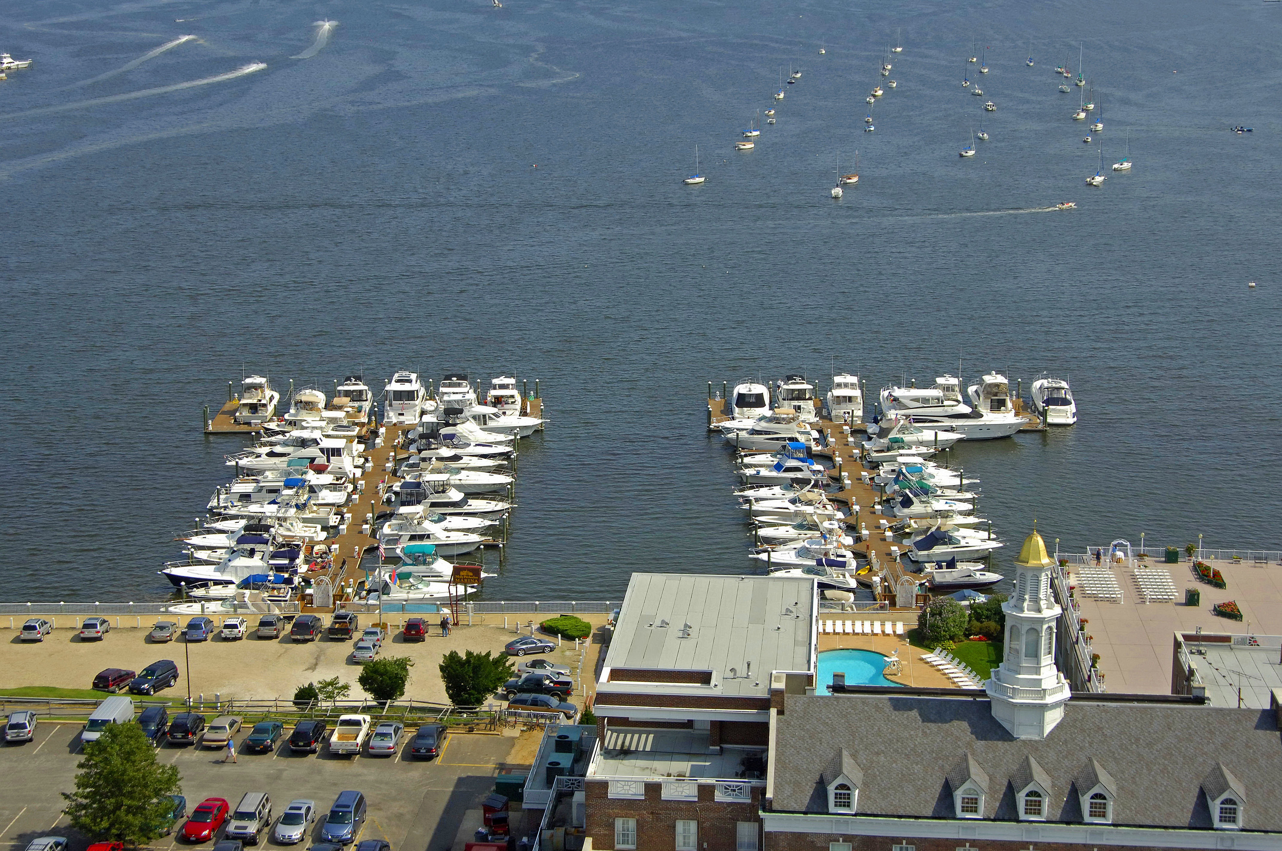 Oyster Point Molly Pitcher Inn Oyst...