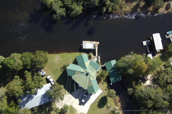 Palm Grove Lodge & Marina