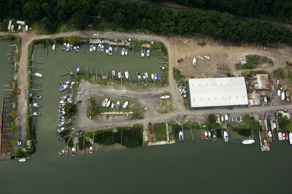 Riverview Yacht Basin/ Gibbs Marine