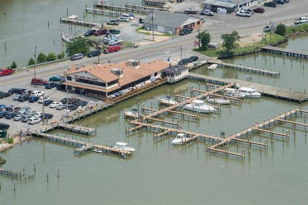 Captain John's Crab House & Marina