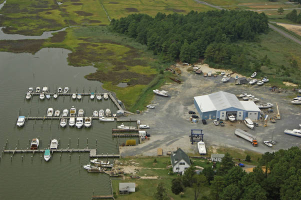 PL Jones Boatyard & Marina