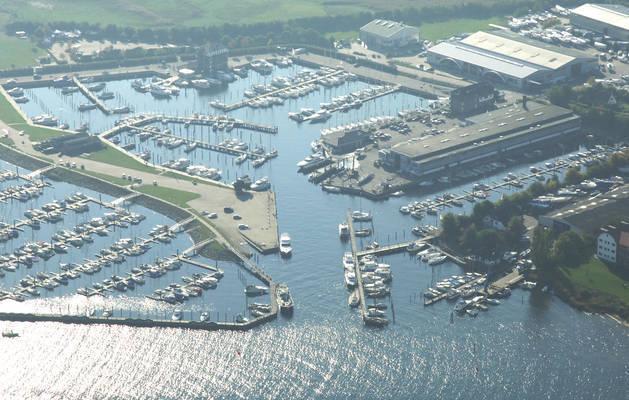 Ancora Werft Marina