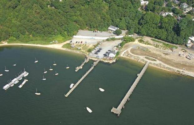 Port Jefferson Yacht Club