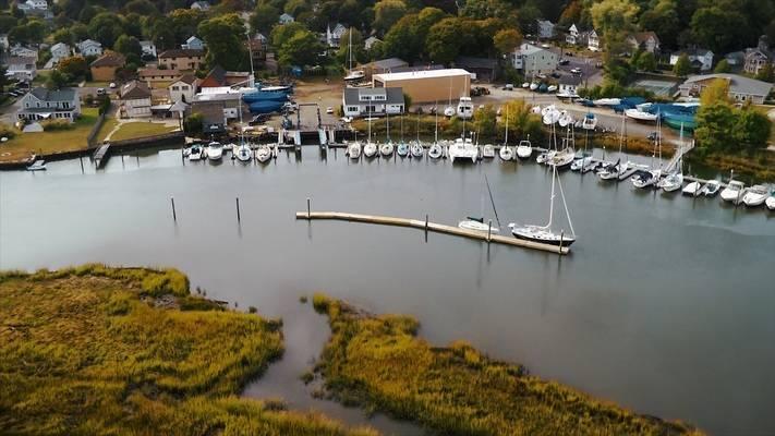 Dutch Wharf Boat Yard & Marina