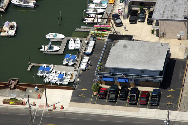 Canal Side Boat & Kayak Rentals