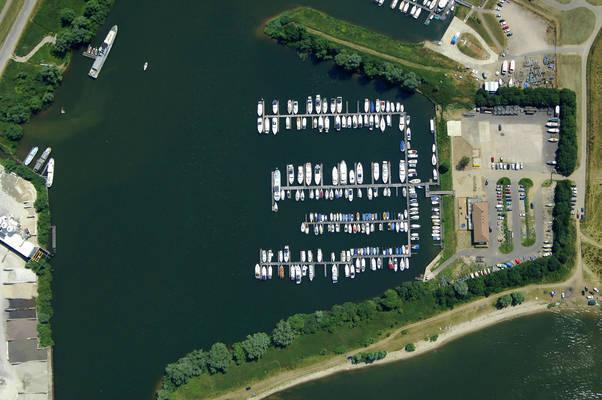 De Batavier Yacht Marina