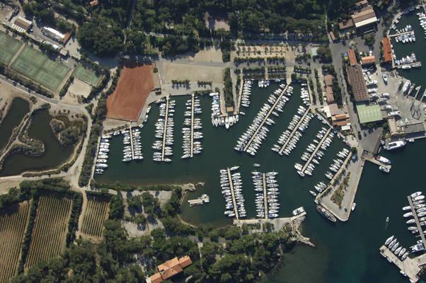 Port Des Jeunes Marina