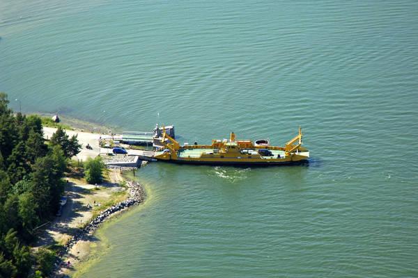 Moerkoe Ferry