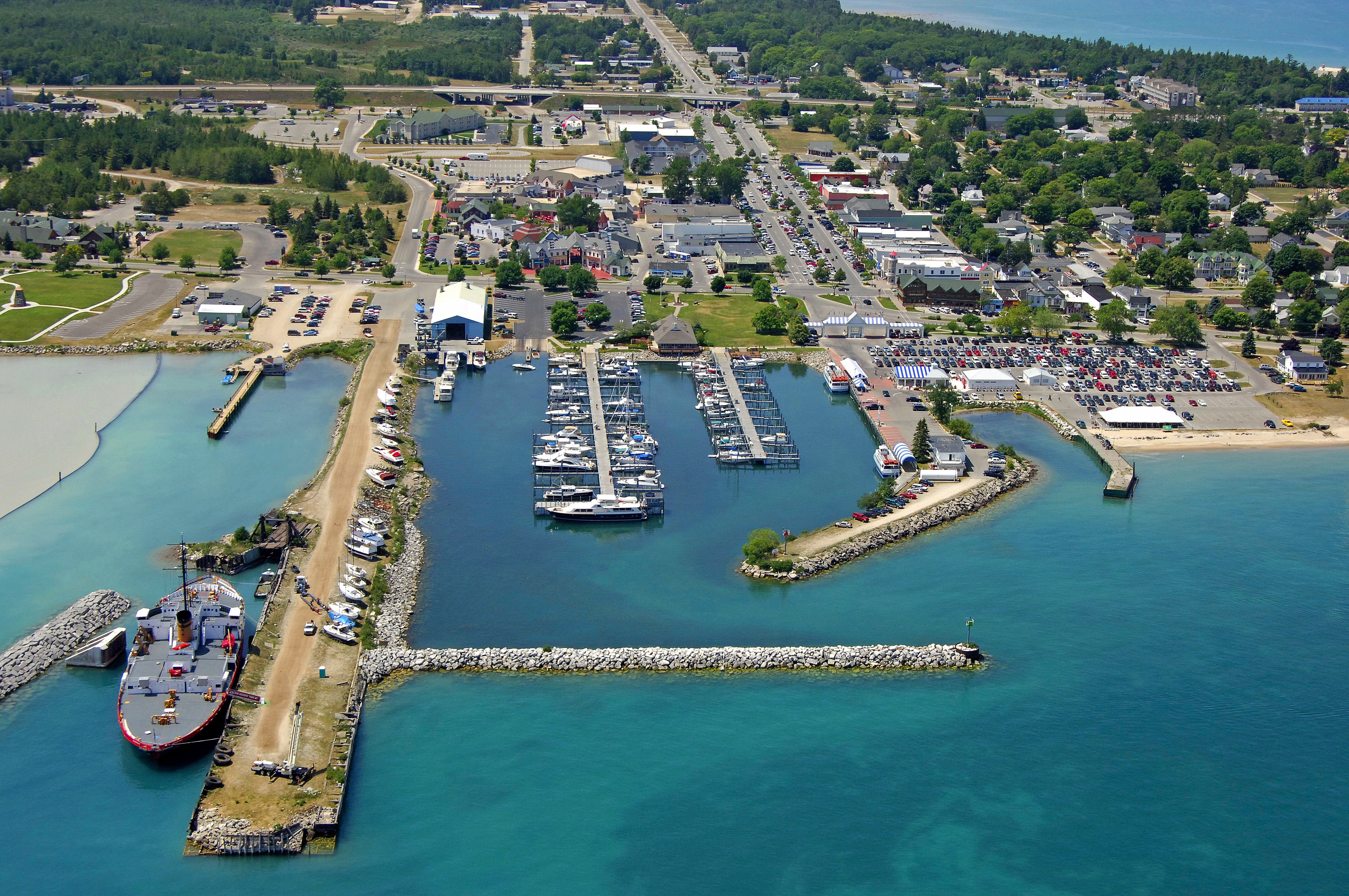 mackinaw city men Email teysens@freewaynet : welcome to teysen's gift shop, located in downtown mackinaw city, michigan at the entrance to the mackinaw crossings this year.