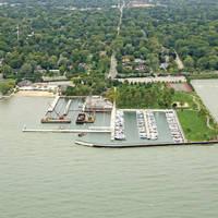 Grosse Pointe Farms Pier Park