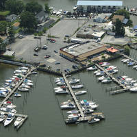 River Watch Restaurant & Marina