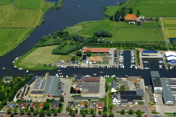 Schraa Watersport Marina