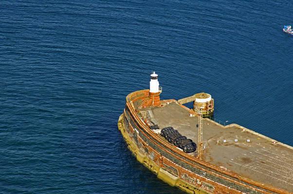 Troon West Pier Light