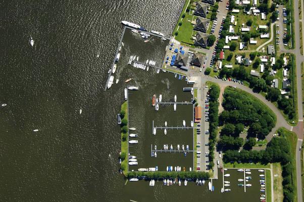 Paviljoen Sneekermeer Yacht Harbour