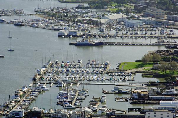 Marina Plaza Harbor