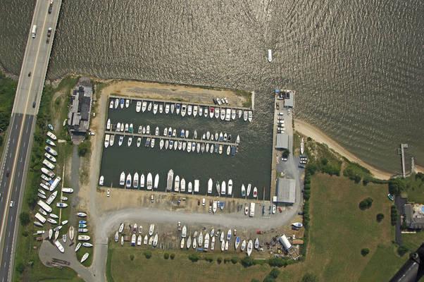 Gateway Marina & Ships Store
