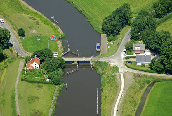 Wierumerschouw Bridge