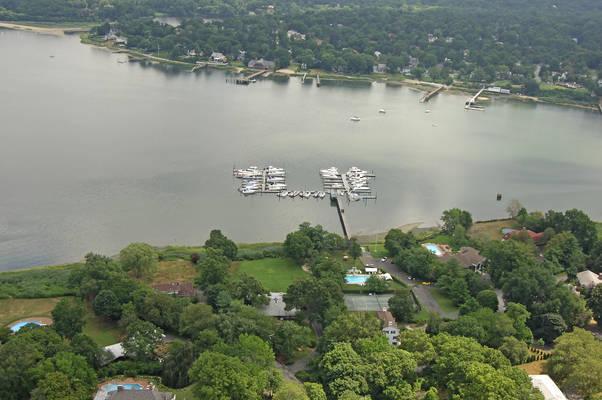Shelter Bay Yacht Club