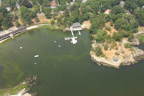 Horseshoe Harbor Yacht Club