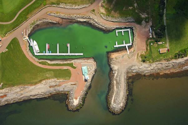 Fox Harb'r Resort Marina