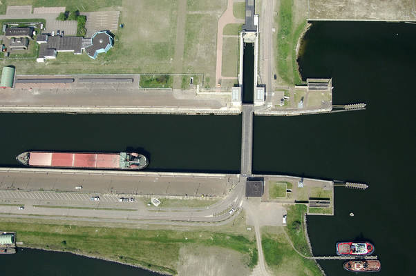 Ijmuiden North Sea Canal North Lock