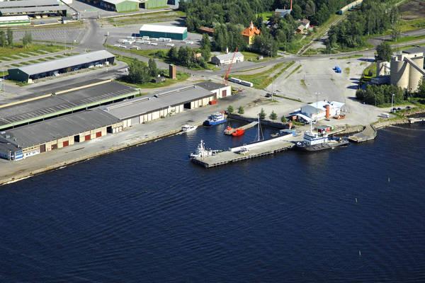 Pietarsaar iAlholma Harbour