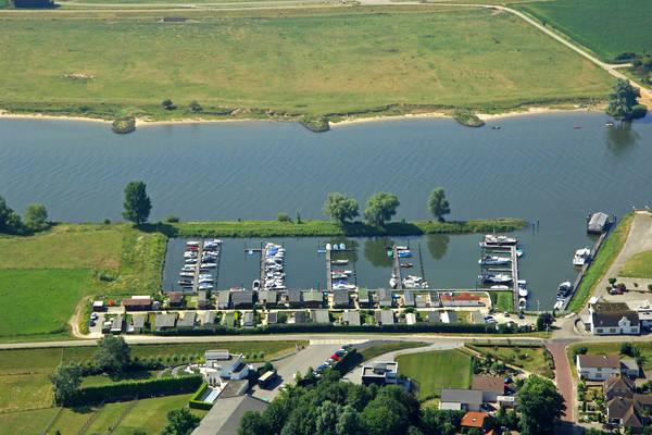 Ammerzoden Yachtharbor and Boatyard