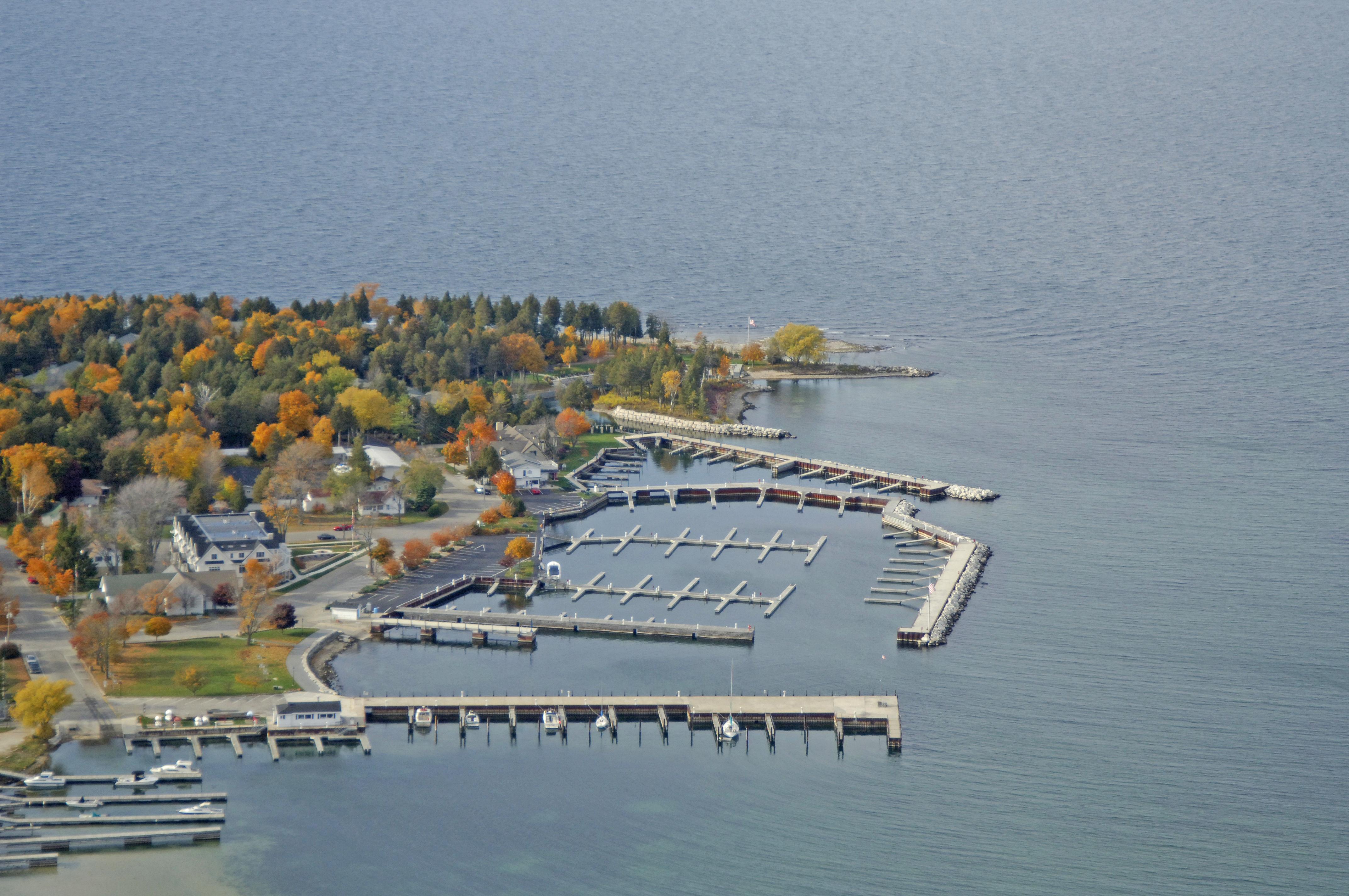 Alibi dock marina in fish creek wi united states for Fish creek wisconsin