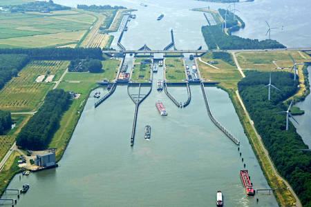 Volkerak Lock