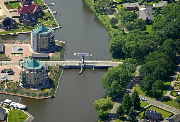 Doklandsbrug Bridge