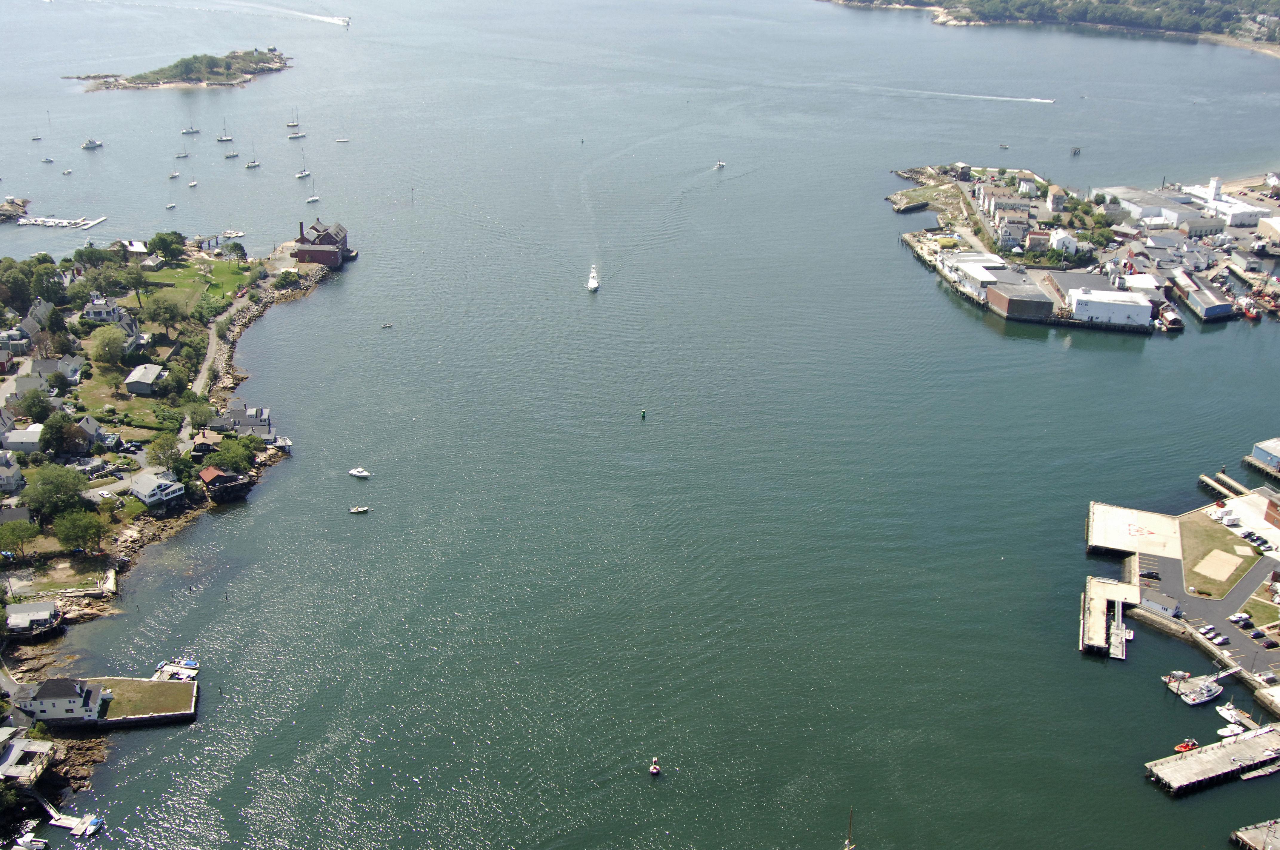 Gloucester inner harbor inlet in gloucester ma united states gloucester inner harbor inlet nvjuhfo Choice Image