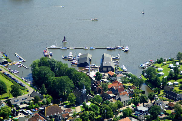 Zandsloot Yacht Harbour