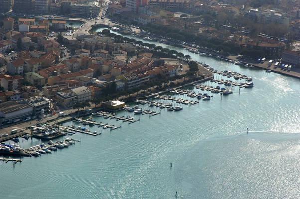 Darsena Navigare 2000 Marina