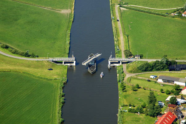 Kiesterzijl Bridge