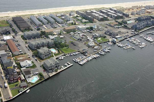 Carriage House Marina