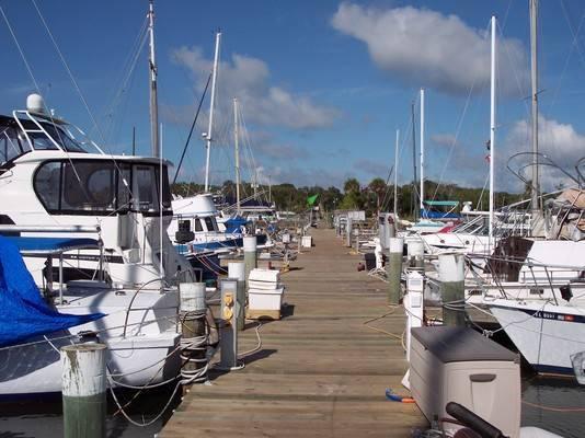 Kennedy Point Marina & Yacht Club
