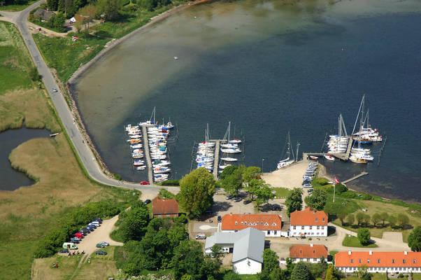 Kalvø Havn
